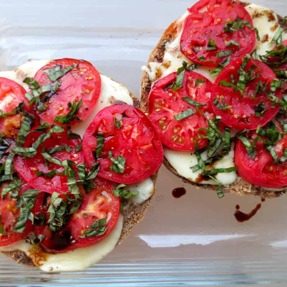 Summer Caprese Garlic Bread