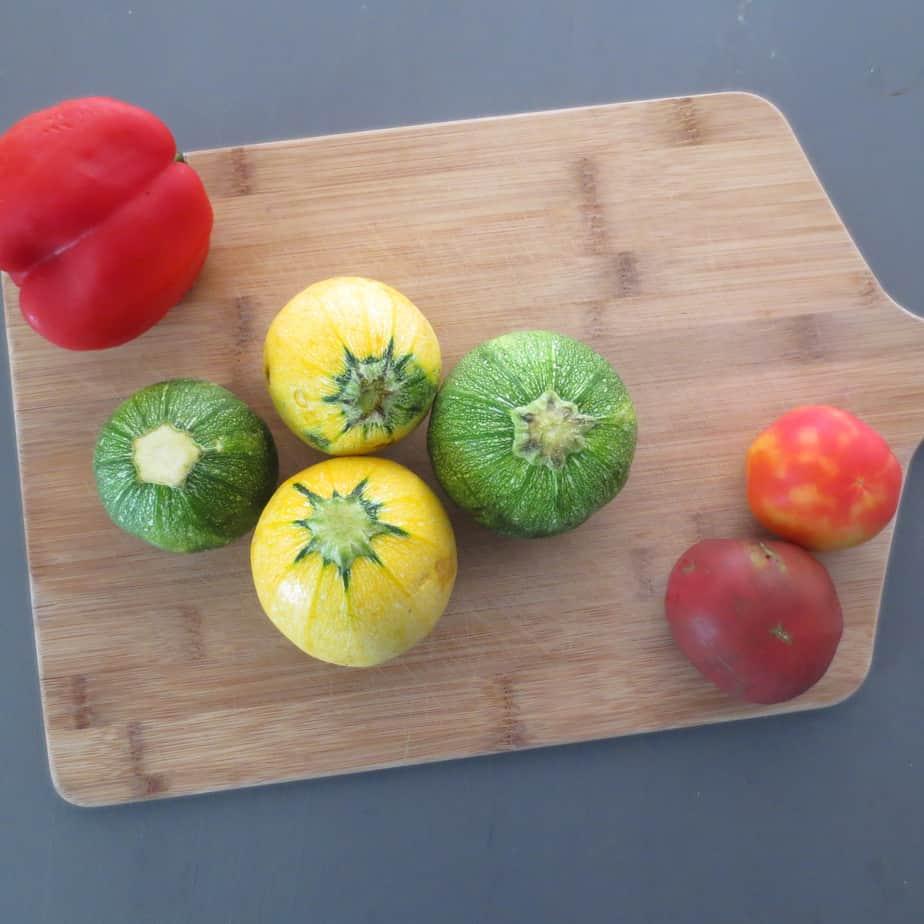 Tomatoes, zucchini, bell pepper