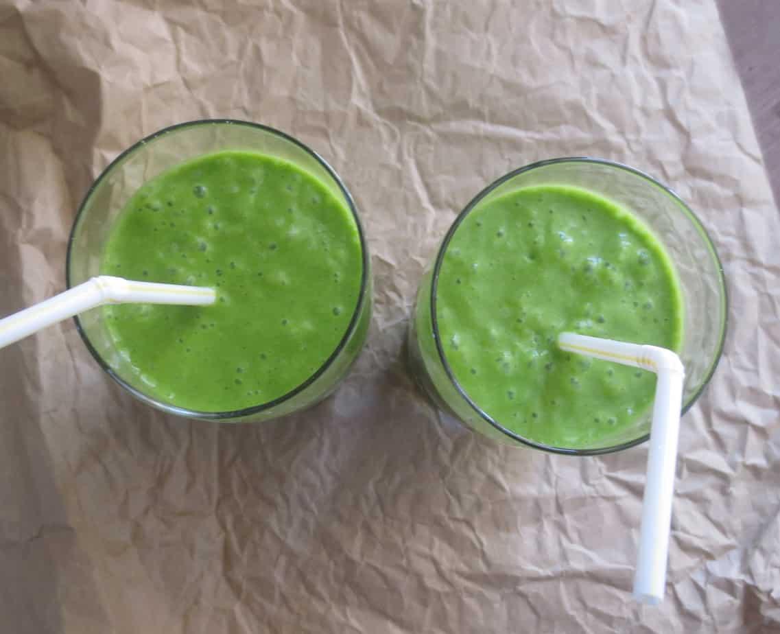 Mango Coconut Green Smoothie by Frugal Nutrition #greensmoothie #breakfast