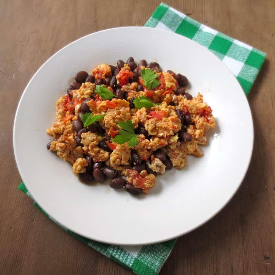 Tomato & Black Bean Scramble $0.75 per serving #easybreakfast #vegetarian