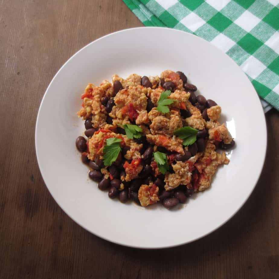 Easy Egg Scramble with Tomatoes and Black Beans!