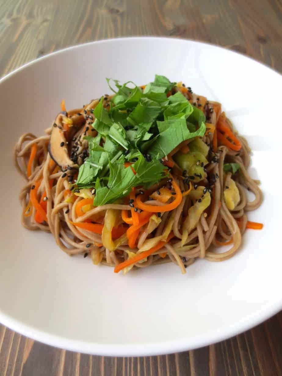 Vegetarian Japanese Yakisoba | Frugal Nutrition #easy #dinner