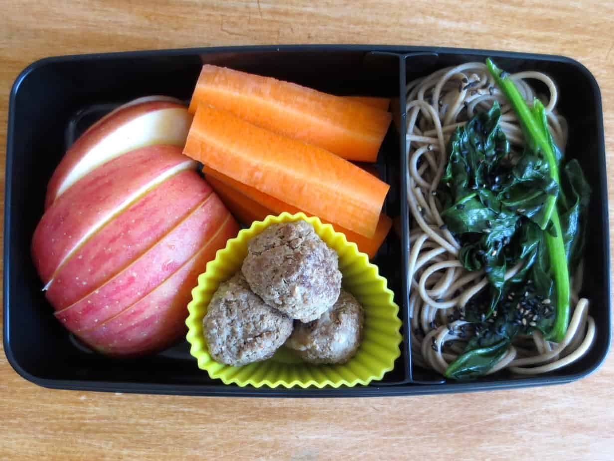 Bento Box: Soba and Sesame Green Beans