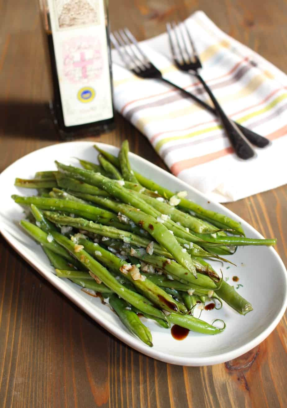 Green beans roasted with garlic, olive oil, and balsamic vinegar by ...