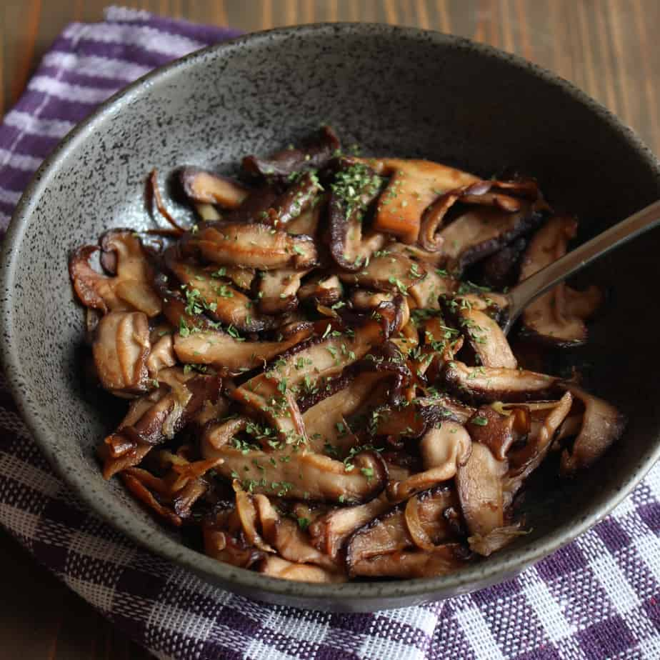 Garlic Butter Mushrooms With Soy Sauce