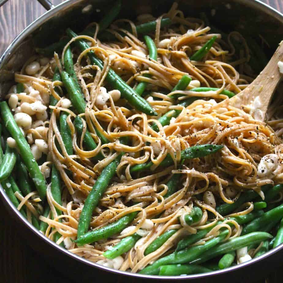 Lemon Garlic Linguine with Green Beans and White Beans | FrugalNutrition.com