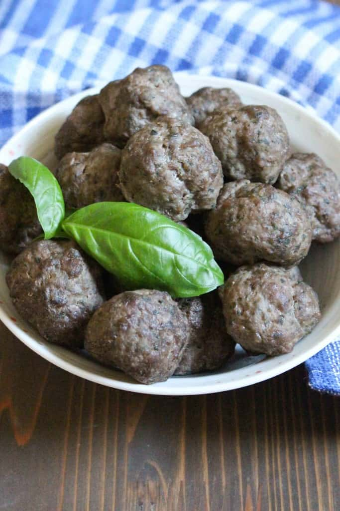 Baked Basil and Garlic Meatballs | Frugal Nutrition #mealplan