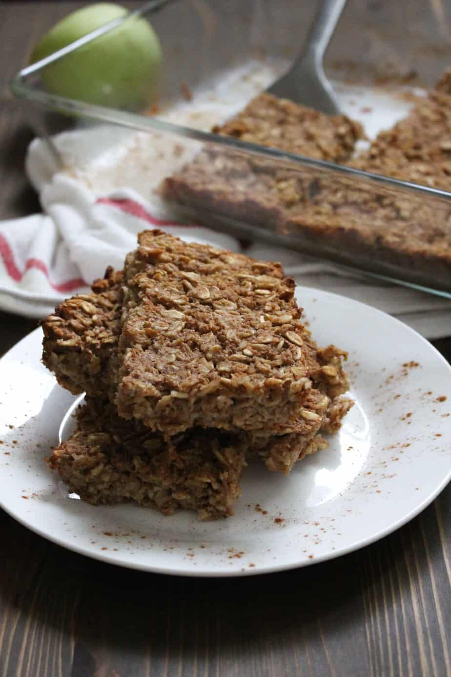 super-easy-pear-baked-oatmeal-bars-frugal-nutrition